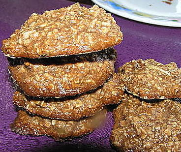 Choco-Oatmeal Honey Cookies